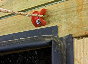 Chore-Time's easy-to-install rope guide (patented) is suitable for use with tunnel door or air inlet applications.