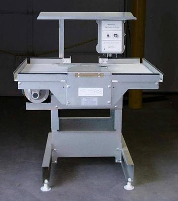 Chore-Time® Clean Sweep Center-Belt Collector Table