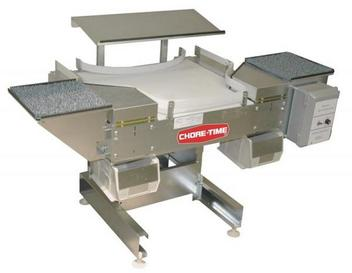 Chore-Time® Clean Sweep Side-Belt Collector Table
