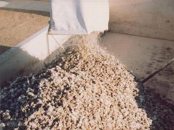 Easy to Manage Dry Manure