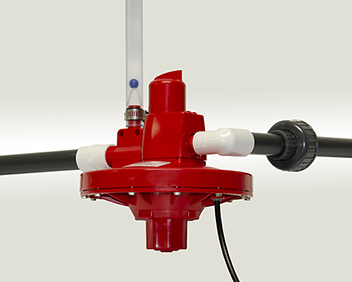 Chore-Time's VOLUMATIC™ Regulator delivers a high flow rate and uses variable air pressure from the PDS Controller to adjust the water column and flush the regulator.